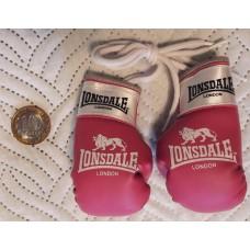 Сувенирные перчатки Lonsdale розовые